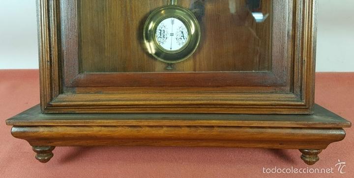 Relojes de pared: RELOJ DE PARED EN MADERA. MAQUINARIA PHILIP HASS SOHN. ALEMANIA. SIGLO XIX-XX. - Foto 4 - 139578352