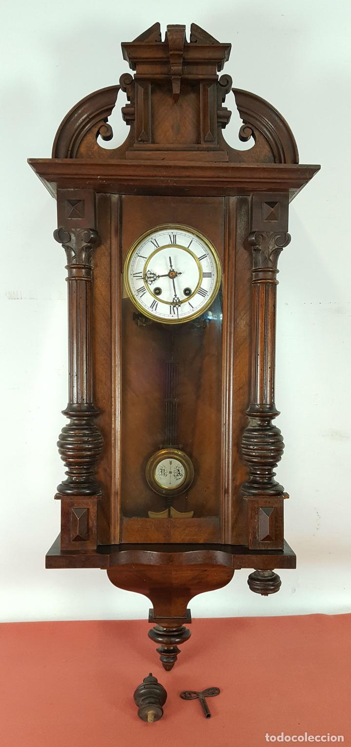 RELOJ DE PARED. MUEBLE EN MADERA DE NOGAL. CARL WERNER. ALEMANIA. SIGLO XIX. (Relojes - Pared Carga Manual)