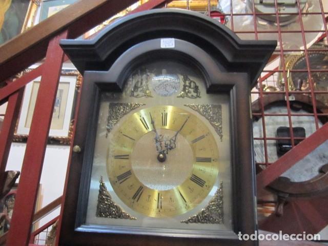 Relojes de pared: Reloj de pared Telcro con sonería horas y medias. Funcionando. 32 x 16 x 91 cms. altura. - Foto 2 - 64015635