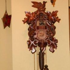 Relojes de pared: RELOJ CUCU-CUCO CON CARRUSEL MUSICAL 7-8 DÍAS DE CUERDA , ALEMÁN(SELVA NEGRA).MECÁNICO Y FUNCIONAL.. Lote 67180249