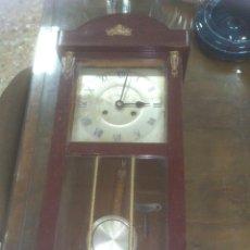 Relojes de pared: RELOJ DE PARED ANTIGUO. Lote 71126549