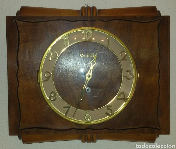 ANTIGUO RELOJ PARED VEDETTE A CUERDA. (Relojes - Pared Carga Manual)