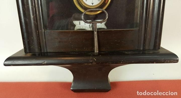 Relojes de pared: RELOJ DE PARED. MUEBLE EN MADERA. MAQUINARIA PARIS. SIGLO XIX-XX. - Foto 6 - 72209779