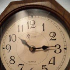 Relojes de pared: RELOJ PARA COLGAR CON PENDOL, MARCA REGULADOR. Lote 73803207
