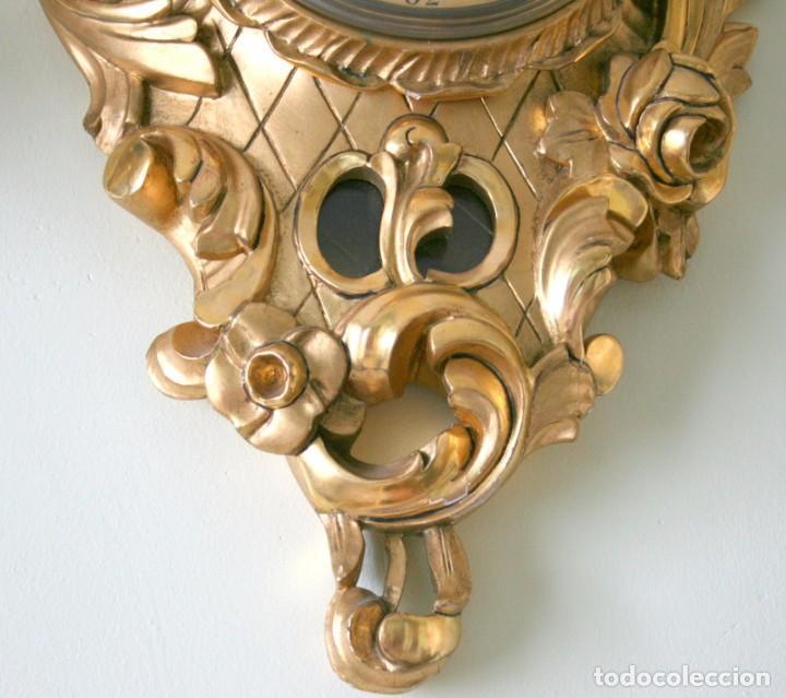 Relojes de pared: ANTIGUO RELOJ SUECO,CON SUS APLIQUES A JUEGO, CON CUERDA, FUNCIONANDO - Foto 9 - 74417327