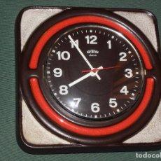 Relojes de pared: RELOJ DE COCINA SARS ELECTRIC CERAMICA,PORCELANA ESMALTADA,AÑOS 70.FUNCIONANDO MADE IN GERMANY. Lote 75920159
