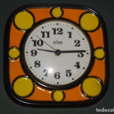 Relojes de pared: RELOJ DE COCINA CERAMICA,PORCELANA ESMALTADA EXTEND ELECTRIC MADE IN GERMANY,AÑOS 70.NO FUNCIONA. Lote 86238576