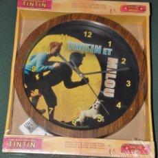Relojes de pared: RELOJ DE PARED LAS AVENTURAS DE TINTÍN AÑO 2011. Lote 133380697