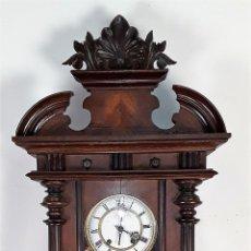 Relojes de pared: RELOJ DE PARED. CARGA MANUAL. MUEBLE EN MADERA DE ROBLE. R A. ALEMANIA.SIGLO XX.. Lote 76476019