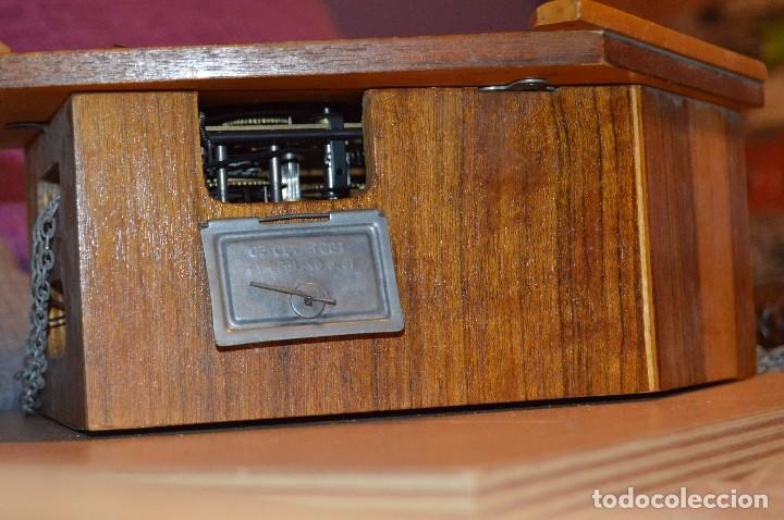 Relojes de pared: ANTIGUO RELOJ DE CUCO VINTAGE - RUSO - RARO - DE MADERA - MIRA LAS FOTOS PARA MÁS DETALLE - Foto 6 - 76520515