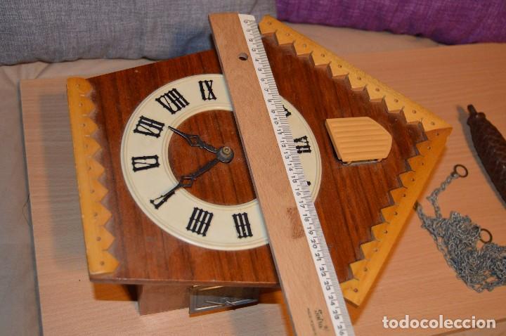 Relojes de pared: ANTIGUO RELOJ DE CUCO VINTAGE - RUSO - RARO - DE MADERA - MIRA LAS FOTOS PARA MÁS DETALLE - Foto 8 - 76520515