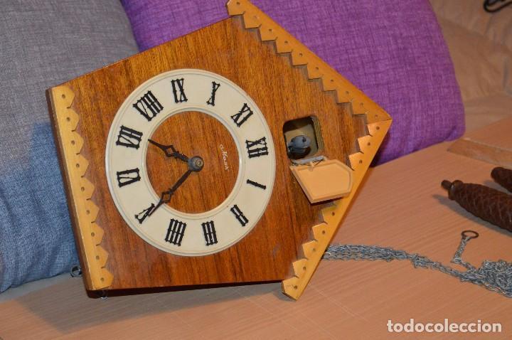 Relojes de pared: ANTIGUO RELOJ DE CUCO VINTAGE - RUSO - RARO - DE MADERA - MIRA LAS FOTOS PARA MÁS DETALLE - Foto 9 - 76520515