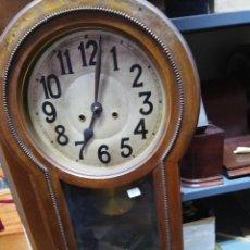 Relojes de pared: RELOJ DE PARED, FUNCIONA PERO NECESITA REPASO. SE VENDE PARA REPARAR O PIEZAS. Lote 76860891