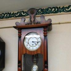 Relojes de pared: ANTIGUO RELOJ DE PARED CARGA MANUAL. Lote 77332902
