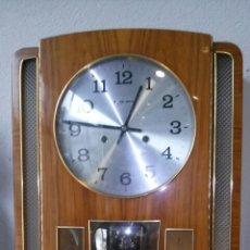 Relojes de pared: RELOJ DE PARED AÑOS 70. Lote 77877377
