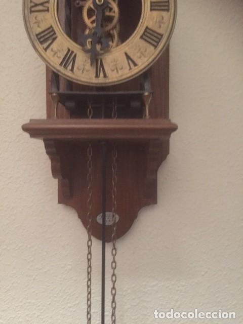 Relojes de pared: RARO RELOJ MAQUINARIA VISTA,PERFECTAS CONDICIONES,A DESTACAR SU GRAN CAMPANA Y SU FORMA - Foto 11 - 97033044