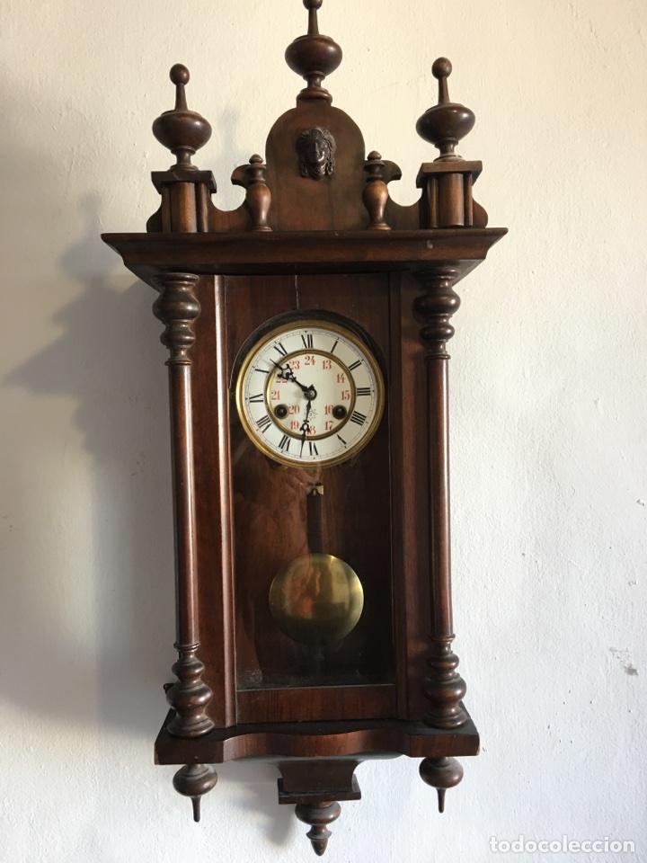RELOJ DE PARED.- (PRIMER CUARTO DEL SIGLO XX) (Relojes - Pared Carga Manual)