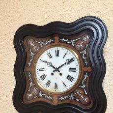 Relojes de pared: RELOJ DE PARED MOVIMIENTO DE PENDULO, CON SONERIA Y CAJA CON MARQUETERÍA. Lote 80393429