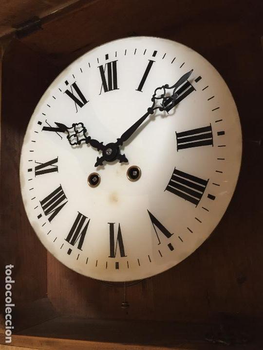 Relojes de pared: Reloj de pared movimiento de pendulo, con soneria y caja con marquetería - Foto 2 - 80393429