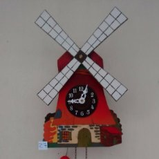 Relojes de pared: ANTIGUO RELOJ MECÁNICO DE PARED. FUNCIONANDO. SIN CUCO. ( 27R ). Lote 82943996