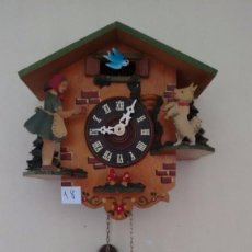 Relojes de pared: ANTIGUO RELOJ DE PESAS. CON MOVIMIENTO. FUNCIONANDO. ( 18 ). Lote 83127608