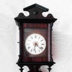 Relojes de pared: RELOJ DEL S. XIX. APROXIMADAMENTE 1850. SELVA NEGRA ALEMANA. PARTE DE SU MOVIMIENTO EN MADERA.. Lote 83463340