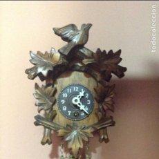 Relojes de pared: RELOJ MINIATURA DE PARED DE LA SELVA NEGRA. FUNCIONANDO. AÑOS 20.. MADERA. Lote 85805636
