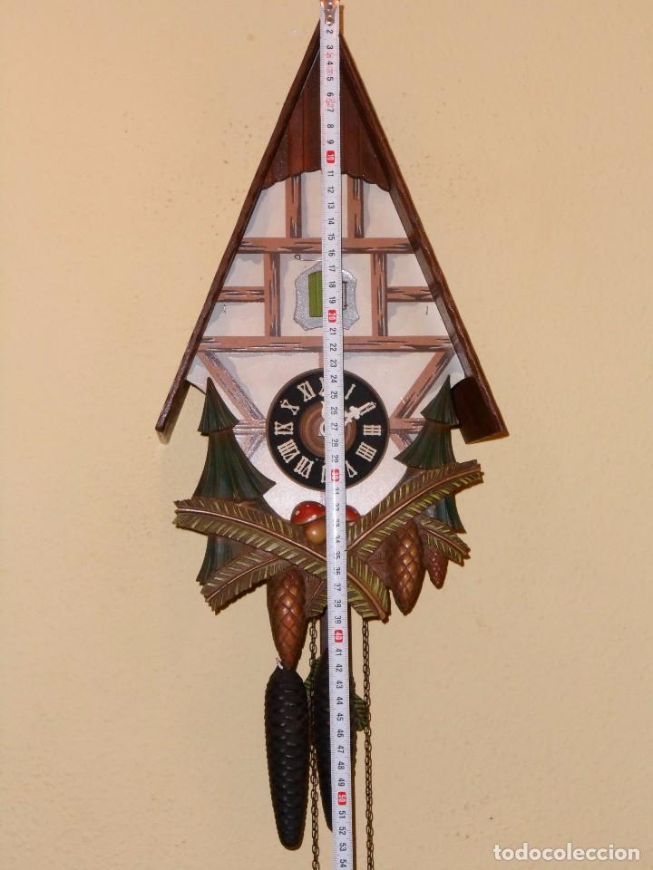 Relojes de pared: RELOJ CUCU CON FORMA DE CASA.TOTALMENTE MECÁNICO Y FUNCIONAL. - Foto 2 - 87981896