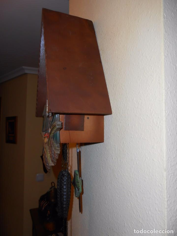 Relojes de pared: RELOJ CUCU CON FORMA DE CASA.TOTALMENTE MECÁNICO Y FUNCIONAL. - Foto 6 - 87981896
