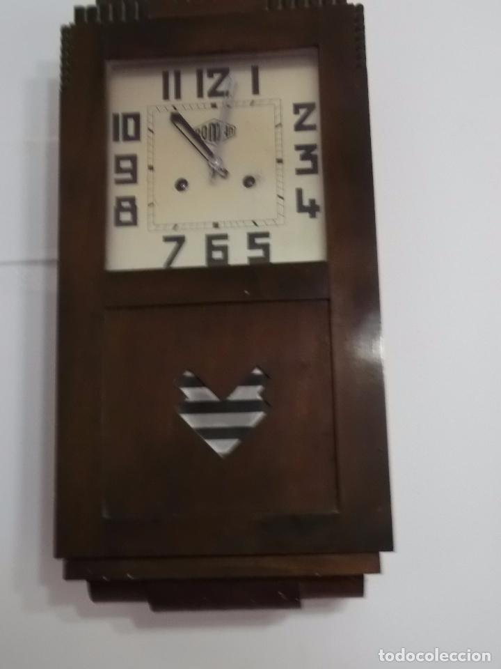 MUY ANTIGUO RELOJ DE PARET DE CARGA MANUAL ROMAN ENTRA Y MIRALO (Relojes - Pared Carga Manual)