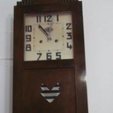Relojes de pared: MUY ANTIGUO RELOJ DE PARET DE CARGA MANUAL ROMAN ENTRA Y MIRALO. Lote 164699309