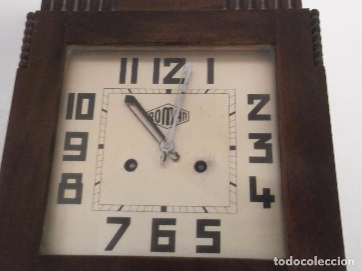 Relojes de pared: MUY ANTIGUO RELOJ DE PARET DE CARGA MANUAL ROMAN ENTRA Y MIRALO - Foto 2 - 89175704