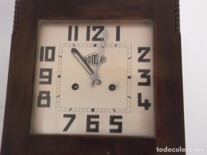 Relojes de pared: MUY ANTIGUO RELOJ DE PARET DE CARGA MANUAL ROMAN ENTRA Y MIRALO - Foto 3 - 89175704