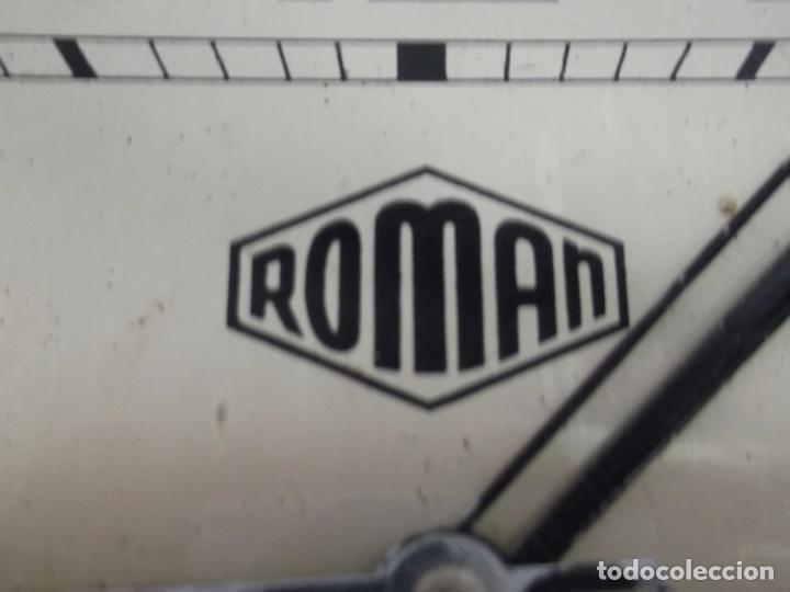 Relojes de pared: MUY ANTIGUO RELOJ DE PARET DE CARGA MANUAL ROMAN ENTRA Y MIRALO - Foto 10 - 89175704