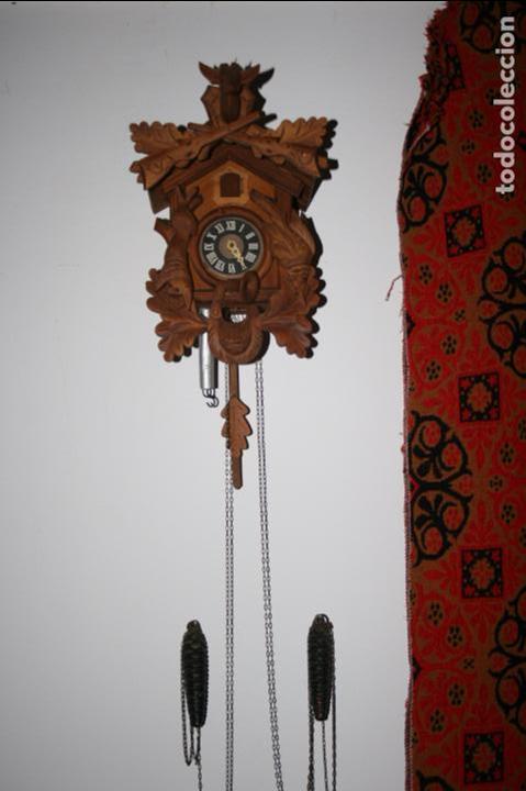 RELOJ DE CUCO SUIZO. ESTÁ PARA RESTAURAR, TIENE ALGUNA FALTA. DESCONOZCO SI FUNCIONA. MADERA (Relojes - Pared Carga Manual)