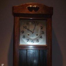 Relojes de pared: GRAN RELOJ JUNGHANS DE PARED EN MADERA CON SONERÍA HORAS Y MEDIAS HORAS, APROX. 60 CM - FUNCIONANDO. Lote 91837975