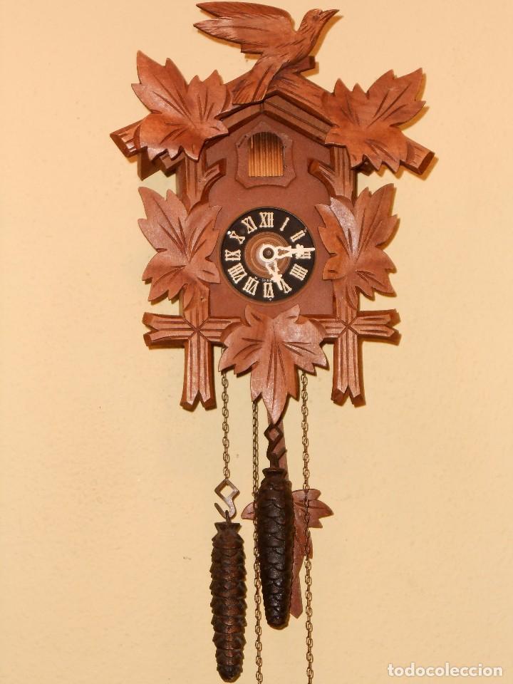 BONITO RELOJ CUCU-CUCO MECÁNICO DEL PRESTIGIOSO FABRICANTE HUBERT HERR TRIBERG(SELVA NEGRA ALEMANA). (Relojes - Pared Carga Manual)