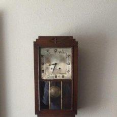 Relojes de pared: RELOJ DE PARED MAQUINARIA A CUERDA CAJA EN MADERA DE ROBLE CON MARCA PORTU / ACH BARCELONA . Lote 93088430