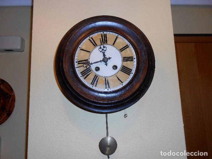ANTIGUO RELOJ DE PARED DEL AÑO 1850/1870 APROXIMADAMENTE. (Relojes - Pared Carga Manual)