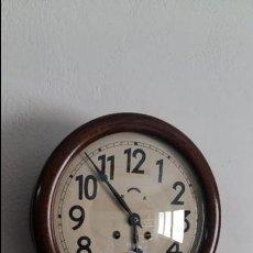 Relojes de pared: RELOJ DE COMERCIO O DE ESTACION, CON SONERÍA.. Lote 97096135
