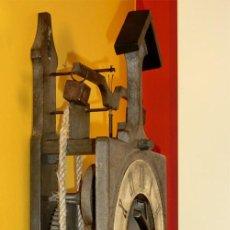 Relojes de pared: ORIGINAL RELOJ DE PARED - RÉPLICA GÓTICA - MARCA GRAMANS - MADE IN SPAIN - AÑOS 70 -INDUSTRIAL. Lote 97327523