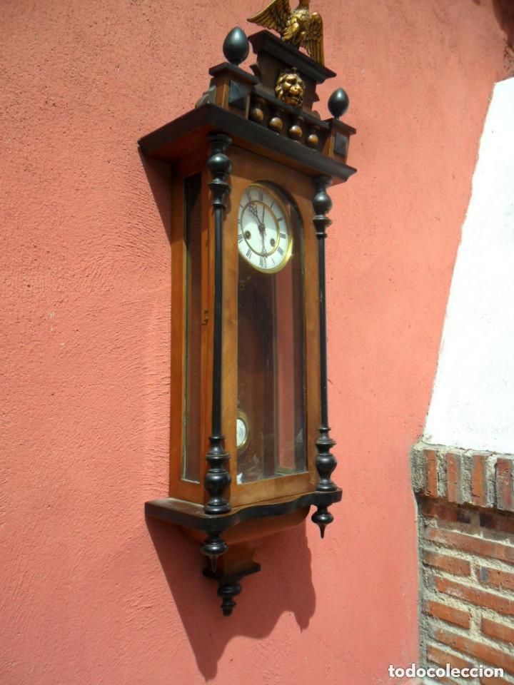 RELOJ DE PARED EN MADERA DE NOGAL Y MAQUINARIA JUNGANS PRINCIPIOS DEL SIGLO XX (Relojes - Pared Carga Manual)