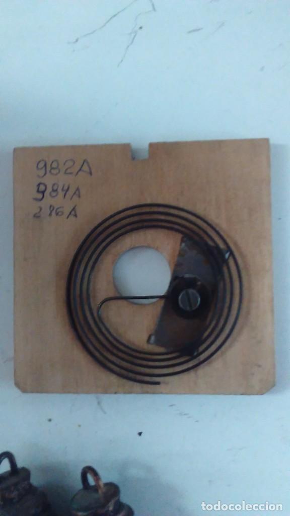 Relojes de pared: Reloj de cuco tipo Selva Negra con pesas y péndulo - Foto 18 - 113396056