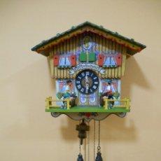 Relojes de pared: PRECIOSO RELOJ DE CUCO ORIGINAL MUSICAL - HOFBRÄUHAUS - VINTAGE AÑOS 60 - FUNCIONANDO -. Lote 99782823