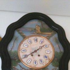 Relojes de pared: RELOJ DE PARED CON PÉNDULO. Lote 100228235