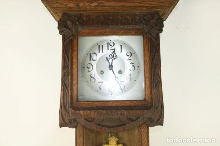 Relojes de pared: RELOJ DE PARED MODERNISTA. MADERA DE ROBLE. PRINCIPIOS SIGLO XX - Foto 3 - 101288252