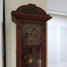 Relojes de pared: ANTIGUO RELOJ DE PARED DE BELTRAN OBIOL EN FUNCIONAMIENTO. Lote 102100343