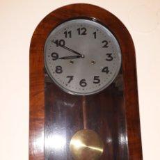 Relojes de pared: RELOJ DE PARED AÑOS 40 EN FUNCIONAMIENTO EN PERFECTO ESTADO. Lote 102456003
