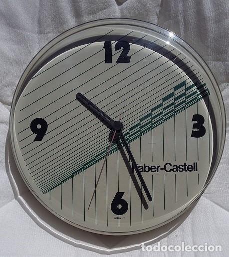 FABER CASTELL. RELOJ DE PARED PROMOCIONAL AÑOS 80 A PILAS, FUNCIONA (Relojes - Pared Carga Manual)