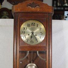 Relojes de pared: RELOJ DE PARED FUNCIONANDO MARCA ULTIMA. Lote 106113135